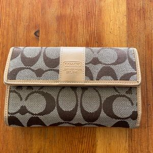Coach Wallet Pocket Book